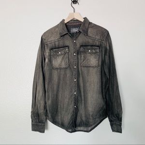 SILVER JEANS long sleeve button up collared shirt